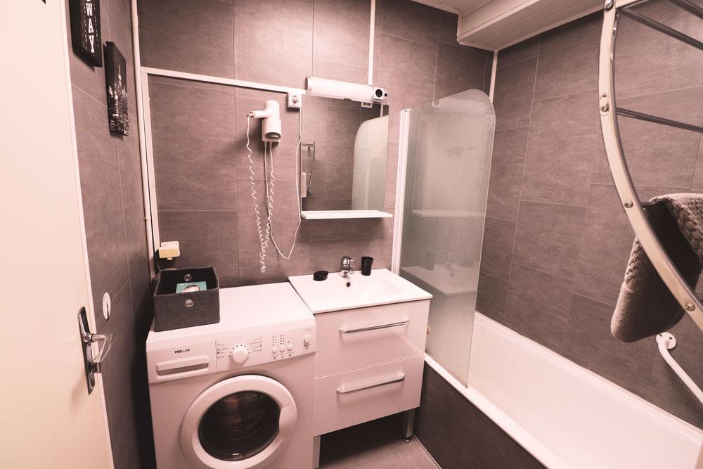 baignoire , lavabo , macine à laver